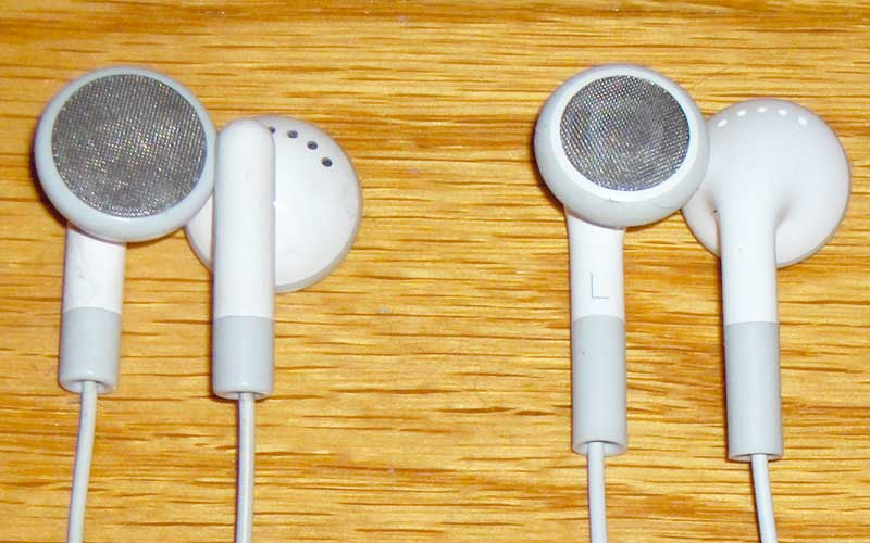 Earbuds headphone review