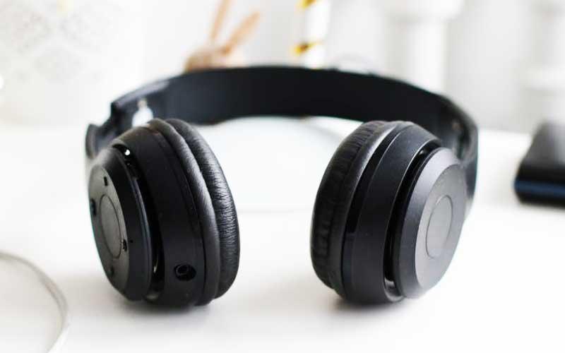 Wireless headphones details